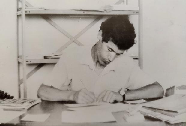 1982: Osvaldo Lima e sua antiga Olivetti, que o inspirou a criar a Sibrax e seus sistemas contábeis.